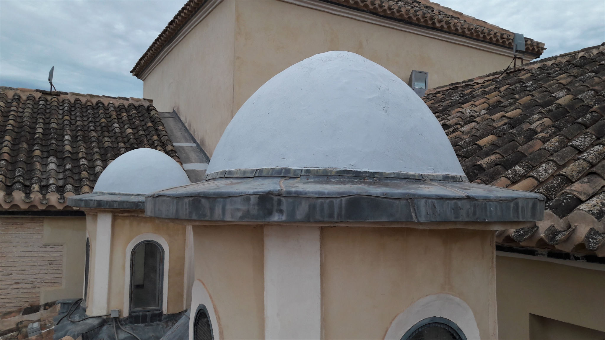 Arreglo del tejado de la parroquia